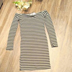 💛NWT💛 Long Sleeve Off Shoulder Bodycon Dress-M